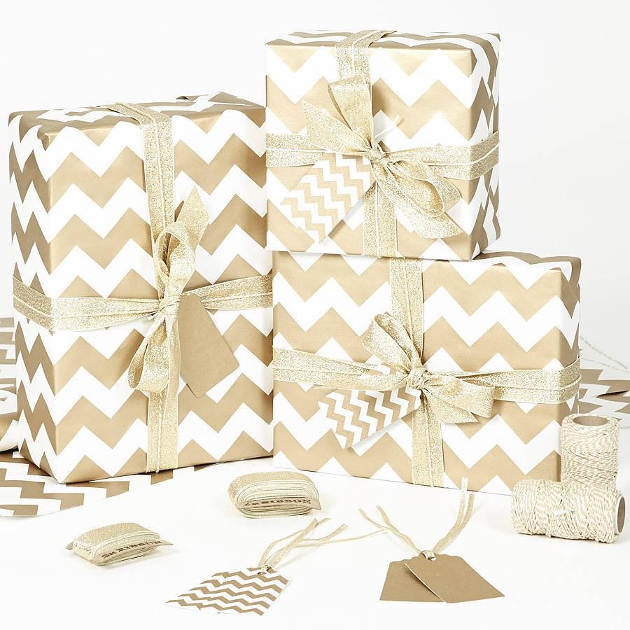 Vánoční balící papír - zlatobílý
