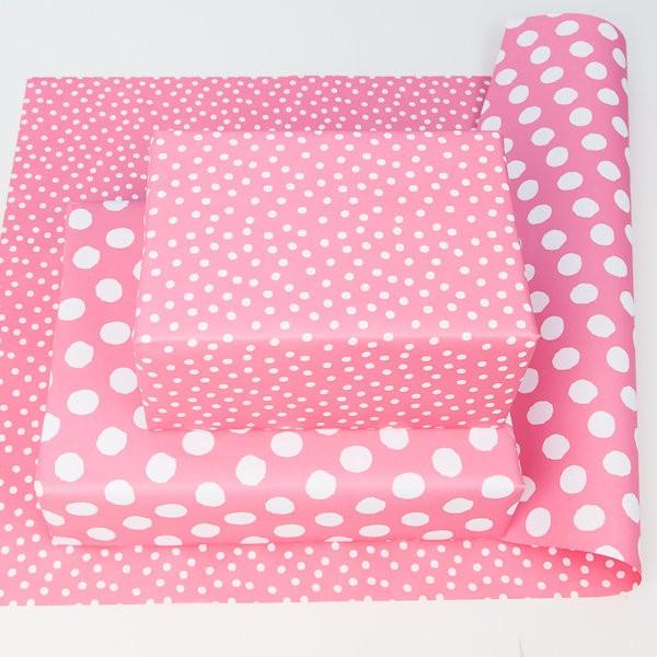 balící papír - oboustranný, růžový - bílé puntíky