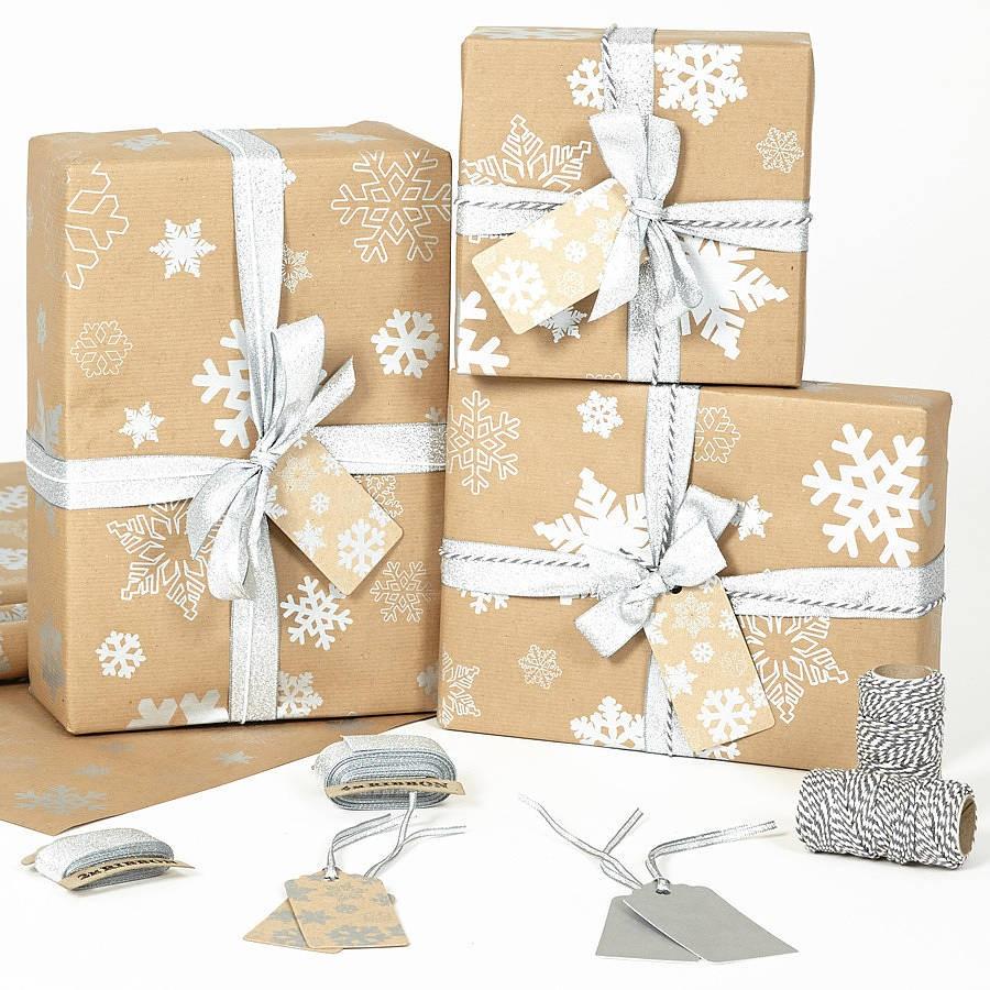 Vánoční balící papír - Sněhové vločky - stříbrné - přírodní papír